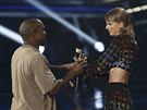Kanye West a Taylor Swiftová na MTV Video Music Awards (Los Angeles, 30. srpna...