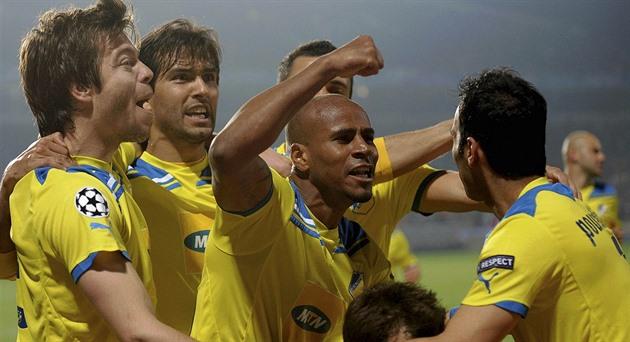 Argentinsk hagle eller midtbanespiller som har plaget Sparta. Hvem er APOEL?