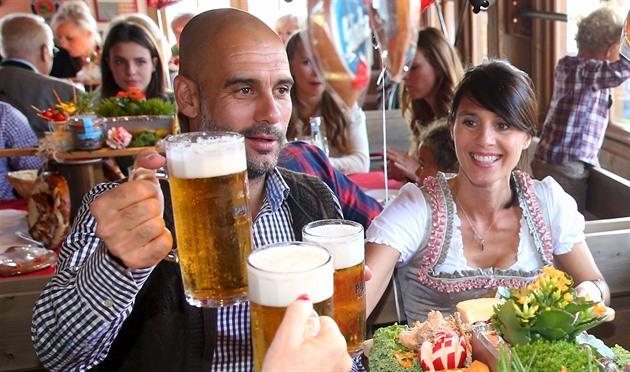 Guardiola ødelegger Bayern? Ingen måte. Teamet knuser motstanderen og feirer Oktoberfest