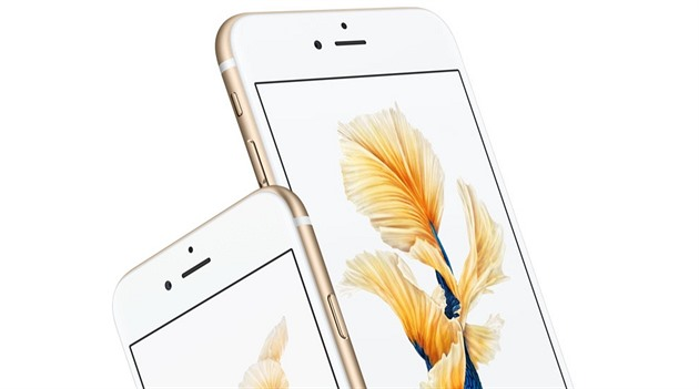 iPhone 6s Plus má sice men�í baterii ne� lo�ský model, výdr� v�ak �la výrazn�...