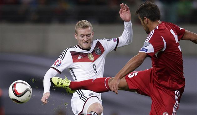 Tyskland vant gruppen. Den fremste deltakelsen i ME feires av Albania