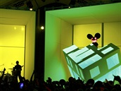 Grammy 2012 -  Foo Fighters a deadmau5 (Los Angeles, 12. února 2012)