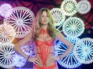 Modelka Behati Prinslo na p�ehlídce Victoria's Secret Fashion Show (New York,...