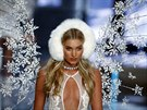 Modelka na p�ehlídce Victoria's Secret Fashion Show (New York, 10. listopadu...