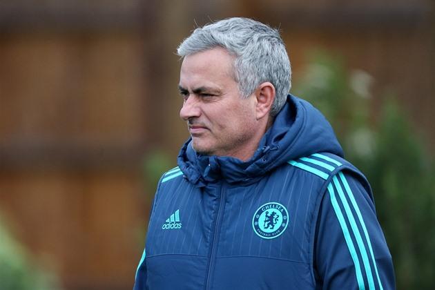 Maître joue sur le terrain du leader. Mourinho a eu des mots d'admiration pour Leicester