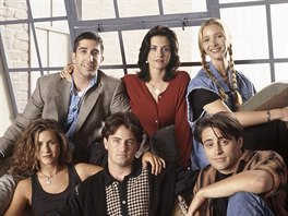 Jennifer Anistonová, David Schwimmer, Matthew Perry, Courteney Coxová, Lisa...
