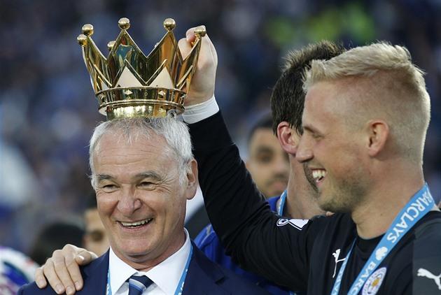 Ranieri não acredita em especulação. Os jogadores não atiraram em mim do Leicester, ele diz