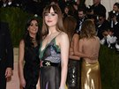 Dakota Johnsonová na Met Gala (New York, 2. kv�tna 2016)
