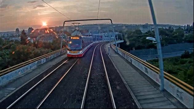 Projeďte si tři nové linky pražské tramvaje, ještě než vyrazí pro cestující