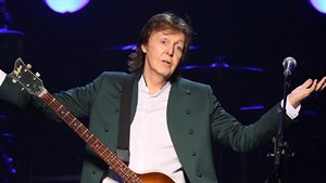 Paul McCartney draze doplatil na blond aktivistku