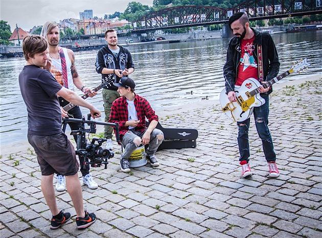 Z natáčení klipu Vědomí kapely Ukradený ovoce