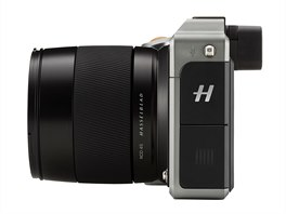 Hasselblad X1D (bo�n� pohled)