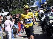 TR�NUJE NA MARATON. Chris Froome b�� bez kola do stoup�n� Mont Ventoux.