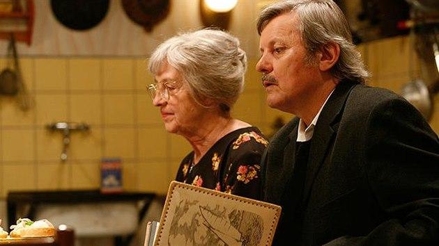 Nina Divíšková a Svatopluk Skopal v seriálu Vyprávěj (2009)