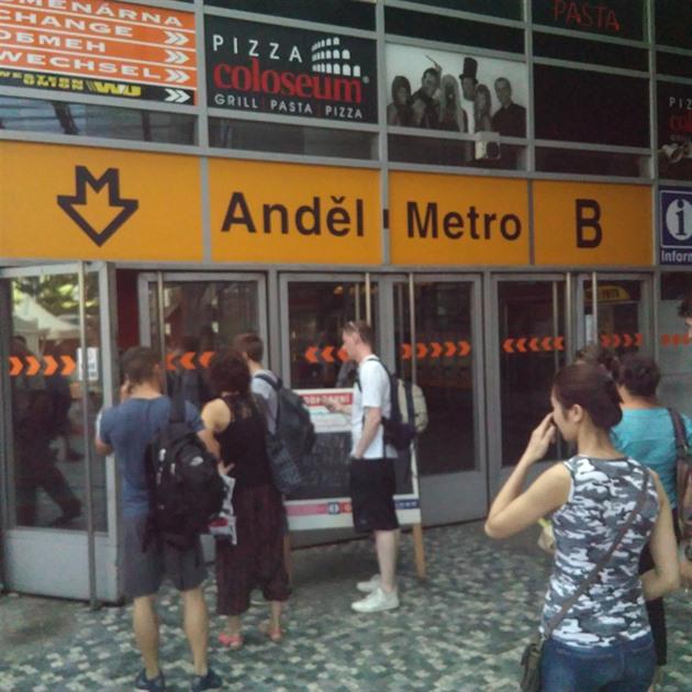 Metro b přerušení provozu