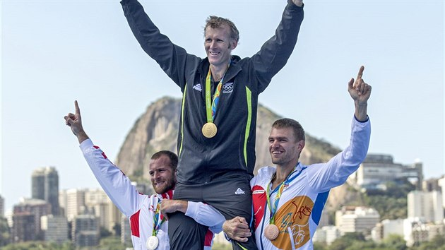 Veslaře Ondřeje Synka na kanálu v Riu jasně porazili jak jeho rival a vítěz Mahé Drysdale z Nového Zélandu, tak překvapivě druhı Damir Martin z Chorvatska. (13. srpna 2016)