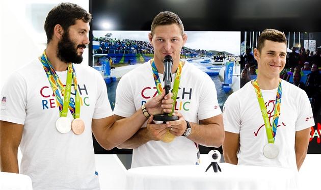 Do Rio a Praga em 24 horas. Cansado dos olimpianos obrigado de qualquer maneira para os fãs