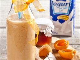 Meruňkový nápoj s kokosem, medem a rakytníkem