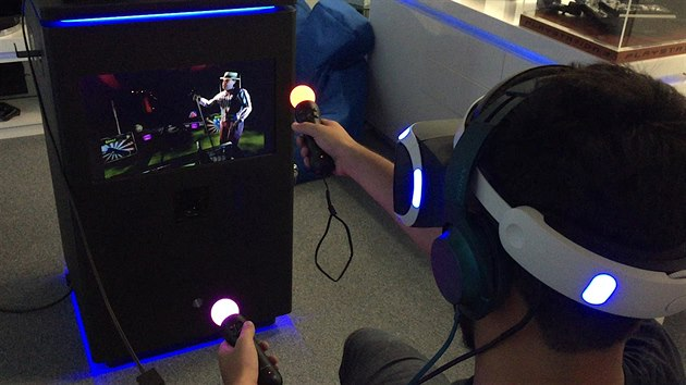 327b4a4ac Je skvělá. Ne, je hrozná. Vyzkoušeli jsme virtuální realitu od Sony ...