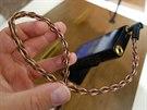 Sluchátkový kabel k MDR-Z1R dodala společnost Kimber Kable.