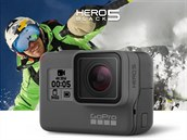 Nov� kamerka GoPro Hero5 Black m� v p�edu stavov� displej.