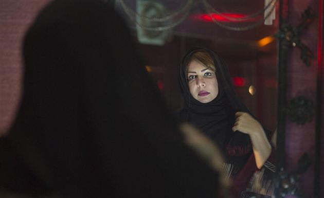 Ilustrace k článku: Tvrdohlavá beduínka káže Saúdkám feminismus, argumenty hledá všaríe (iDNES.cz)