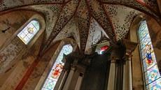Do hornoslavkovského kostela proniká světlo skrz čtyři nové vitráže a2befdaad2
