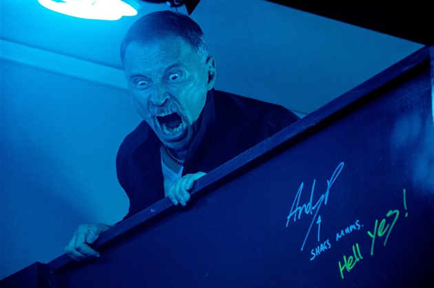 Robert Carlyle jako Begbie ve filmu T2 Trainspotting