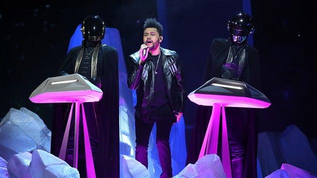 The Weeknd a Daft Punk (Grammy Awards, Los Angeles, 12. února 2017)
