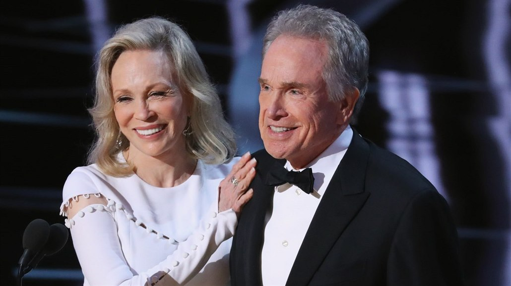 Faye Dunaway a Warren Beatty na Oscarech (Hollywood, 26. února 2017)