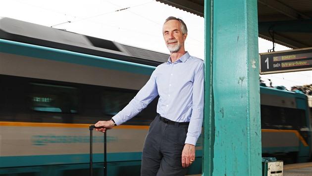 Andrew McNaughton působí jako technický ředitel projektu HS2 na...