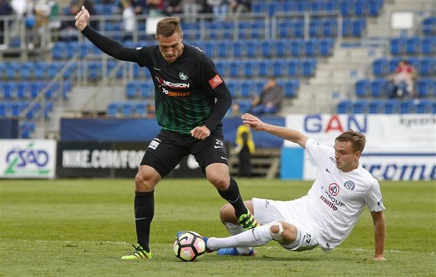 Slovacko – Příbram 1: 0, Šumulikoski decidiu fazer um livre directo