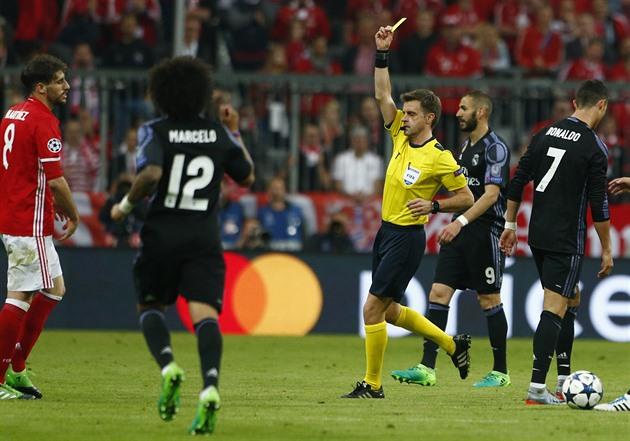 VÍDEO: A Liga dos Campeões errou na disputa de pênaltis, Ronaldo e Mbappé brilharam
