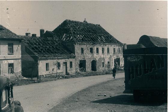 Mirotice po sérii náletů 29. dubna 1945.