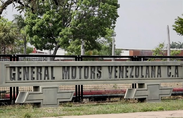 Továrna General Motors ve Venezuele.