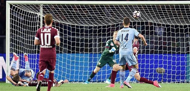 Schick marcou um gol e feriu. O alfaiate ajudou a obter um alto pagamento
