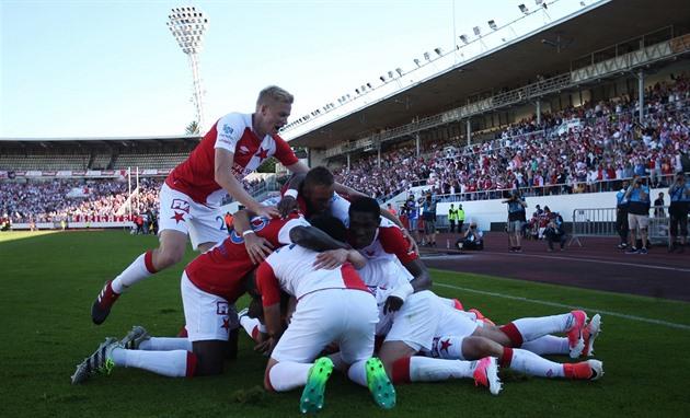 ESTADÍSTICAS: La mayoría de los goles, balas, espectadores, series más largas, todo para Slavia