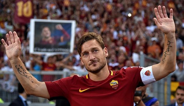 ¡Grazie, reyes fieles! Roma se inclina, el sueño de Totti ha terminado. Después de 28 años