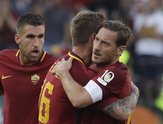 Totti con AS Roma de despedida, la asistencia de Schick para los puntos no fue suficiente
