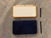 Nahoře New 2DS XL, dole New 3DS XL