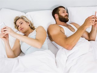 Ze sexu nás už hlava nebolí. Častěji se z milování vymlouvají muži