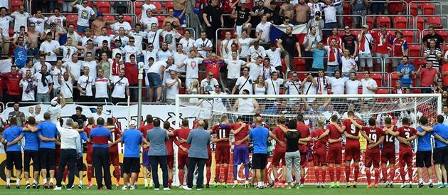 Orang Italia kalah dalam kemenangan. Mereka bahkan tidak memberi kami tangan mereka, tulis Ceko