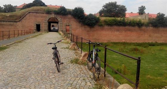 Kolo je při objevování Terezína ideálním dopravním prostředkem.