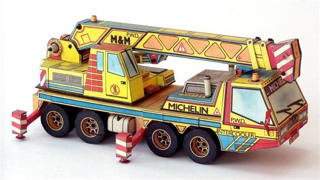 A takto hračku v roce 1988 zpracoval pro časopis ABC do podoby papírového modelu, pod názvem P.W.D. 4136 (foto: Josef Kropáček)