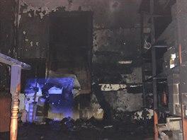 347d9c6e9dc VIDEO  Silvestrovský požár zničil obchod plný bot pro tanečníky