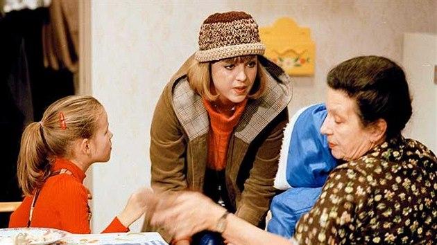 Vlasta Žehrová a Dana Medřická v seriálu My všichni školou povinní (1984)