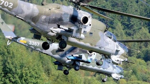 Bojové vrtulníky Mi-24 Vzdušnıch sil Armády České republiky (ilustrační snímek)