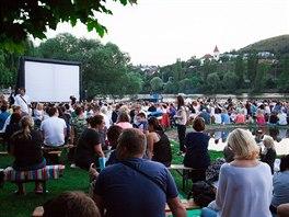 Každý den do areálu přišlo přes jedenáct tisíc lidí. Sledovali koncerty...  Letní kino ve Žlutých lázních ded3b09a9e9