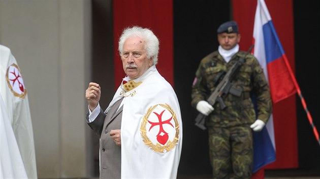 Generální převor Řádu Křižovníků s červenım srdcem - cyriaků Jiří Stanislav.