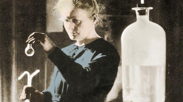 Marie Curie-Skłodowská ve vlastní laboratoři